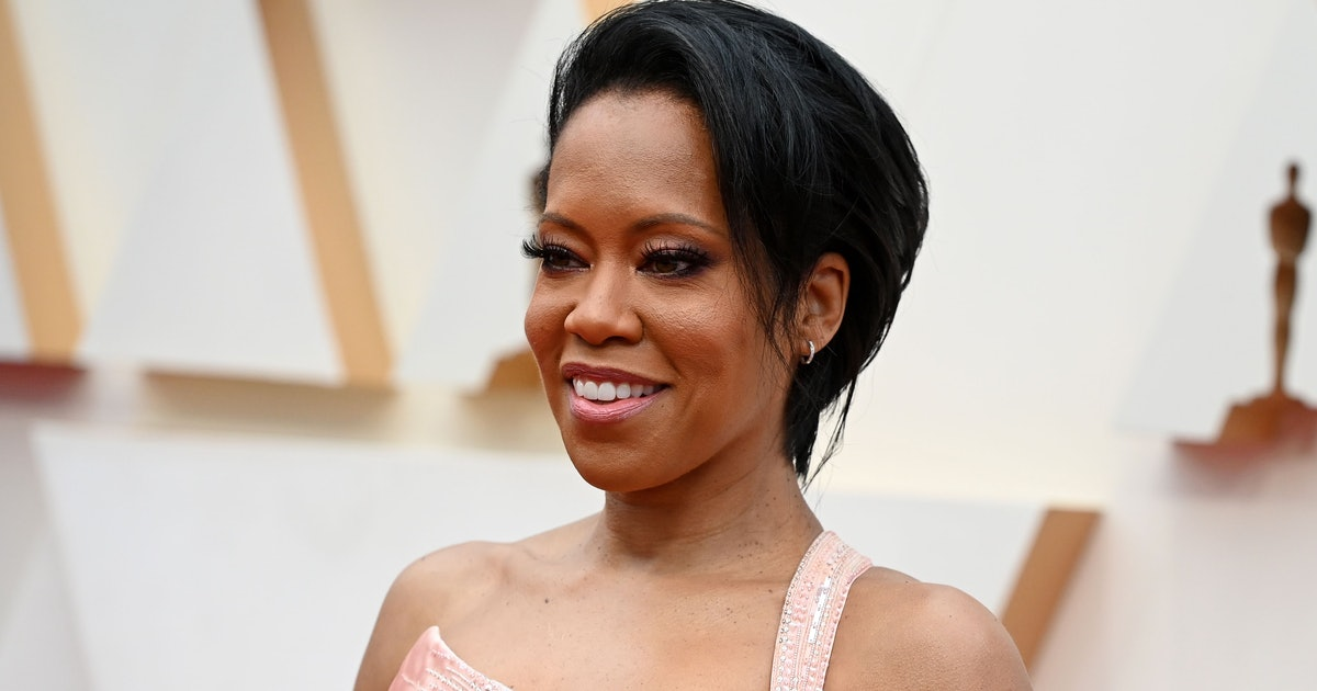 Who Is Regina King Dating She S Comfortable On Her Own