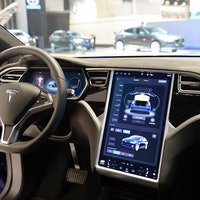 "Musk Reads: Tesla Autopilot ""4D"" release coming"