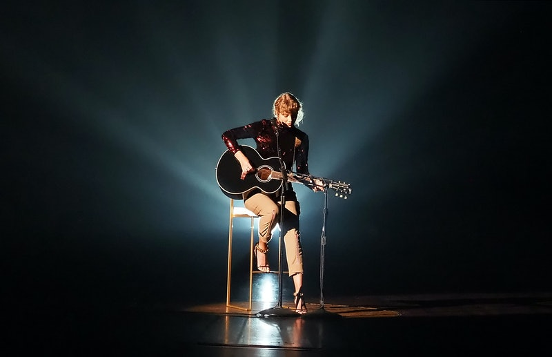 Taylor Swift performing at the 2020 ACM Awards