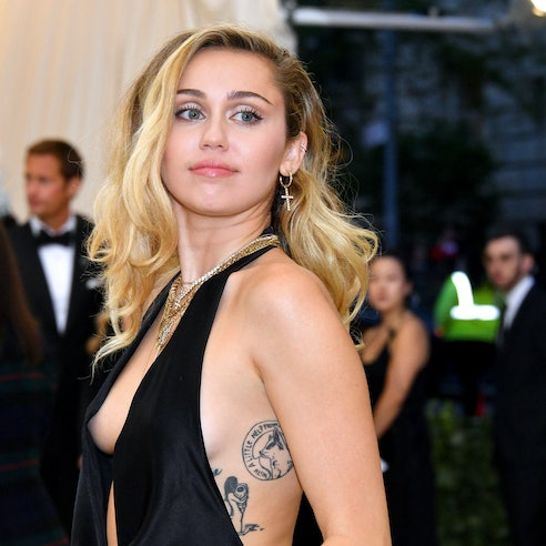 Miley Cyrus red carpet Met Gala