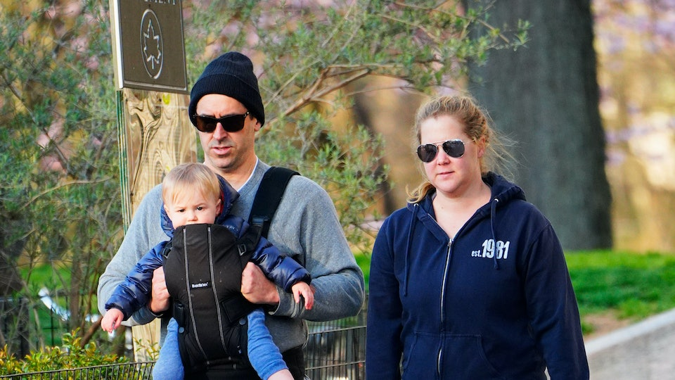 """Amy Schumer's son Gene is saying """"mom."""""""