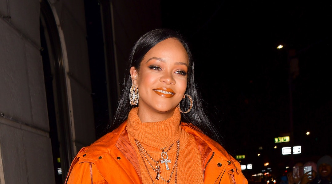 Rihanna's makeup artist recently created a bright blue look that matched her outfit.