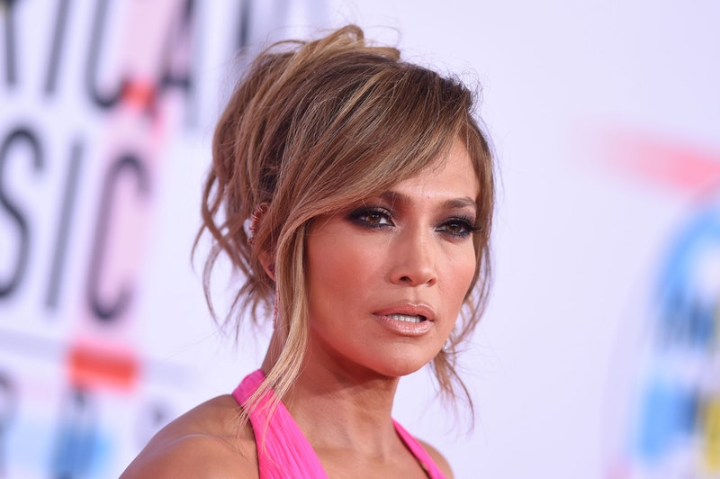 These celebrity-inspired smoky eye ideas are perfect for fall