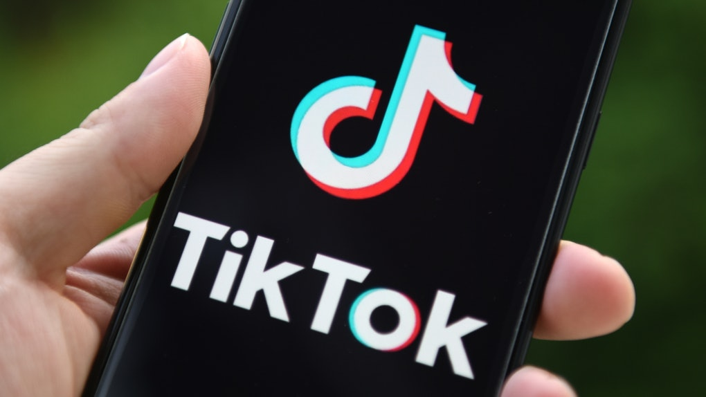 """The TikTok """"celebrity"""" shapeshifting filter allows you to transform into a celebrity of your choice."""