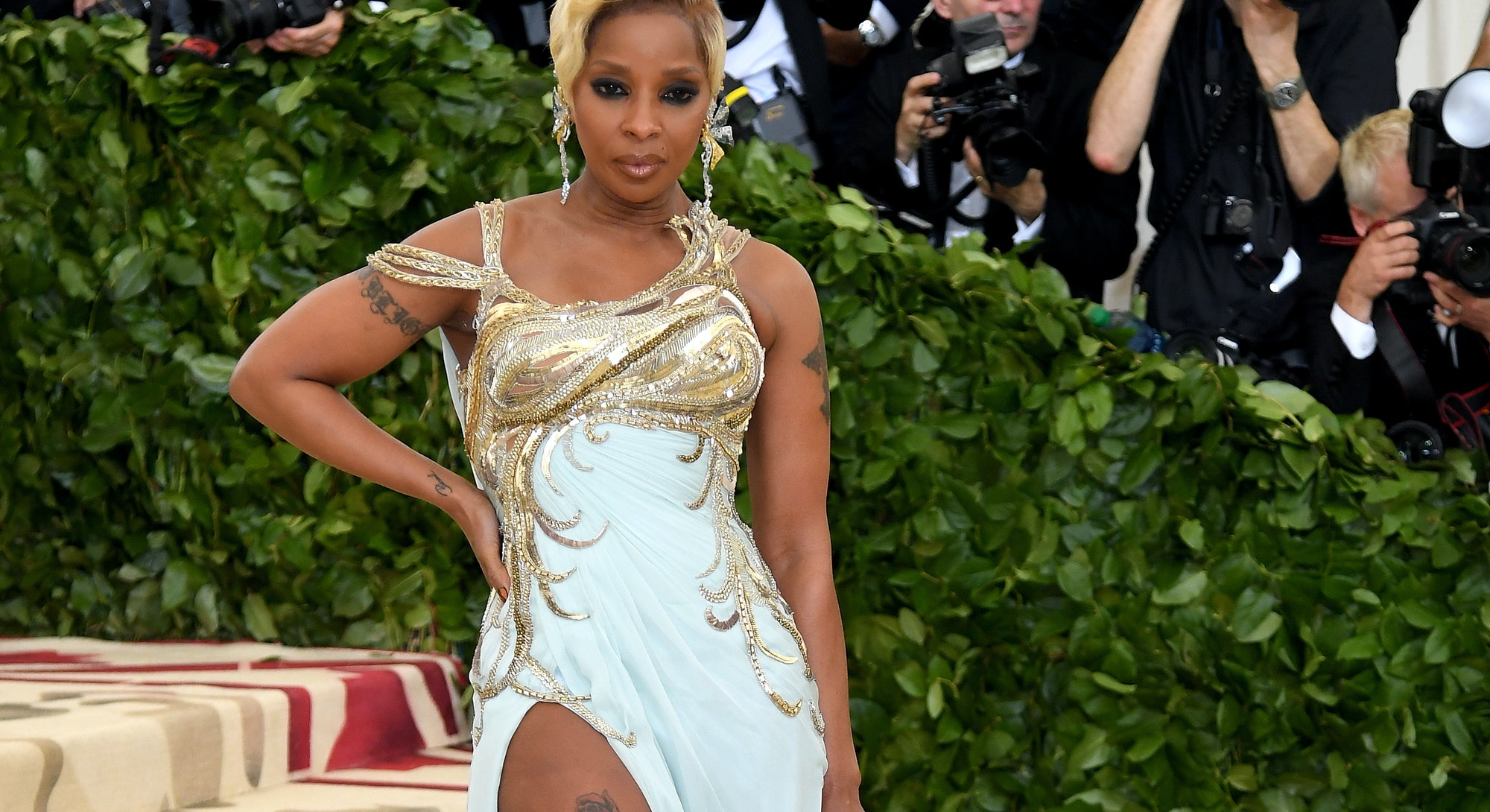 Mary J. Blige's Style Evolution, From '90s Trends To Met Gala Glamour