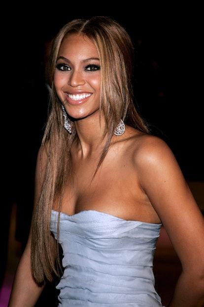Throwback to Beyoncé rocking long curtain bangs in 2005.