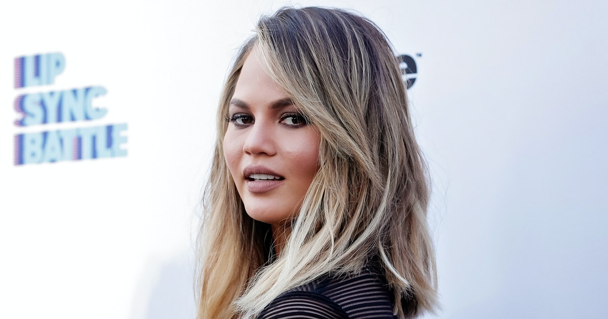 Image of article 'Chrissy Teigen Just Gave This Major '90s Lingerie Trend A Very 2021 Revamp'