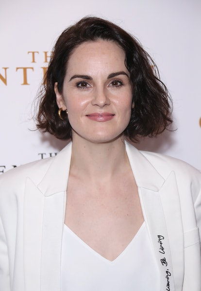 Michelle Dockery's short haircut is good for curly hair.