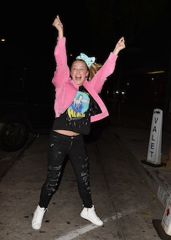JoJo Siwa just shut down a troll in a perfect, positive way.