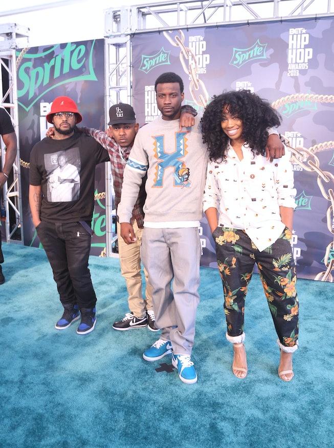 SZA at the 2013 BET Hip-Hop Awards with Schoolboy Q, Kendrick Lamar, and Jay Rock