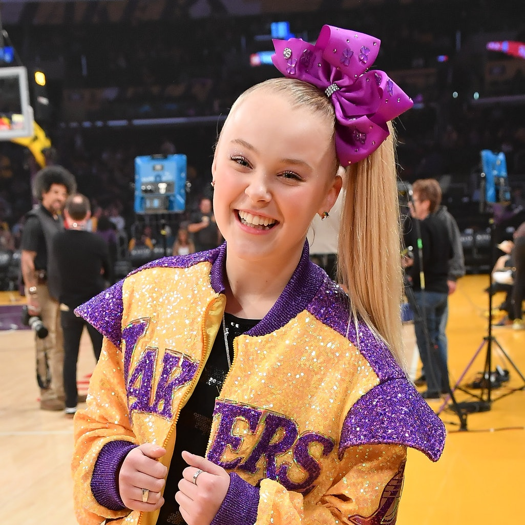 JoJo Siwa's coming out post sparked an outpouring of love and support from her fellow celebrities.