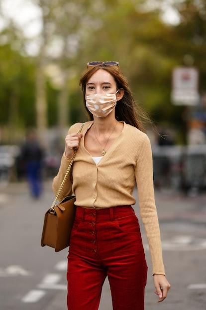 Sexy Cardigan '00s Fashion Trend