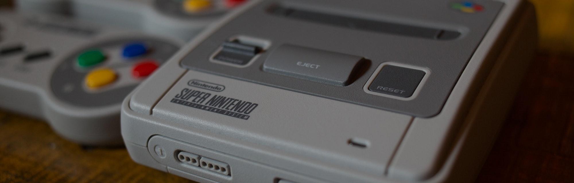 Nintendo SNES console.