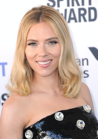 SANTA MONICA, CA - FEBRUARY 08:  Scarlett Johansson arrives for the 2020 Film Independent Spirit Awa...