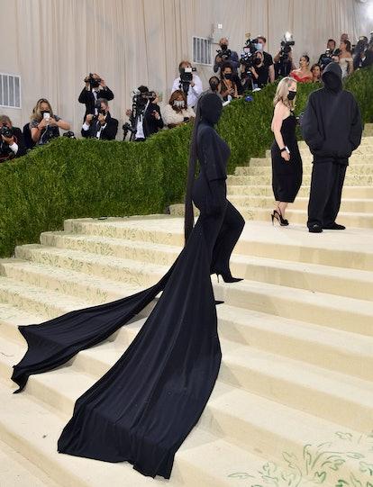 Kim Kardashian's Balenciaga catsuit from the 2021 met gala makes a great Halloween costume.
