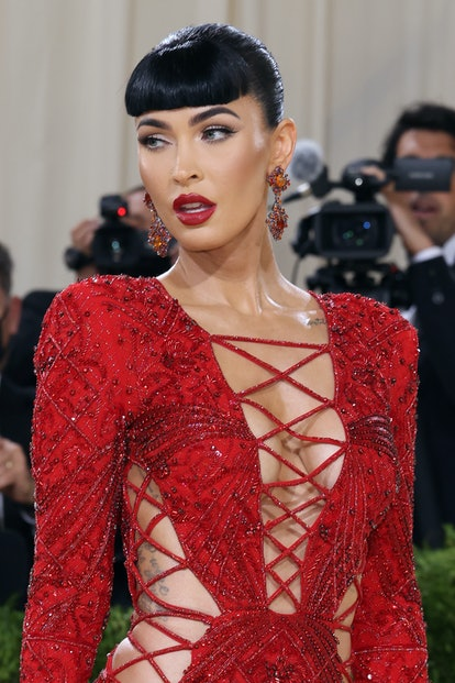 """NEW YORK, NEW YORK - SEPTEMBER 13: Megan Fox attends the 2021 Met Gala benefit """"In America: A Lexico..."""