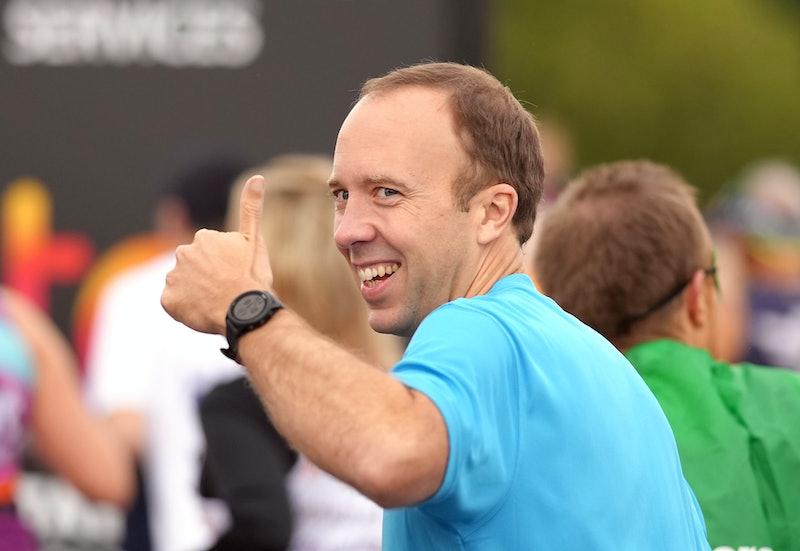 Matt Hancock gives a thumbs up ahead of the Virgin Money London Marathon. Picture date: Sunday Octob...