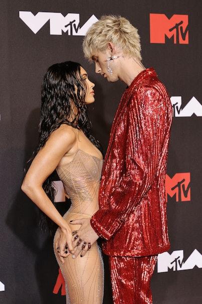 NEW YORK, NEW YORK - SEPTEMBER 12: (L-R) Megan Fox and Machine Gun Kelly attend the 2021 MTV Video M...