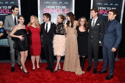Nicholas Braun and the cast of 'How To Be Single.'