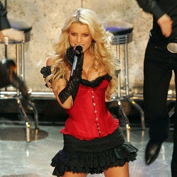 LOS ANGELES, CA - JANUARY 10:  Singer Jessica Simpson performs onstage at the 32nd Annual People's C...