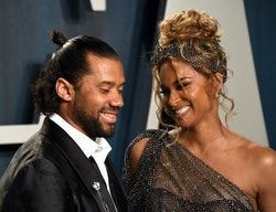 BEVERLY HILLS, CALIFORNIA - FEBRUARY 09: Russell Wilson (L) and Ciara attend the 2020 Vanity Fair Os...