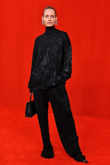 PARIS, FRANCE - OCTOBER 02: Amber Valletta walks the runway during the Balenciaga Ready to Wear Spri...