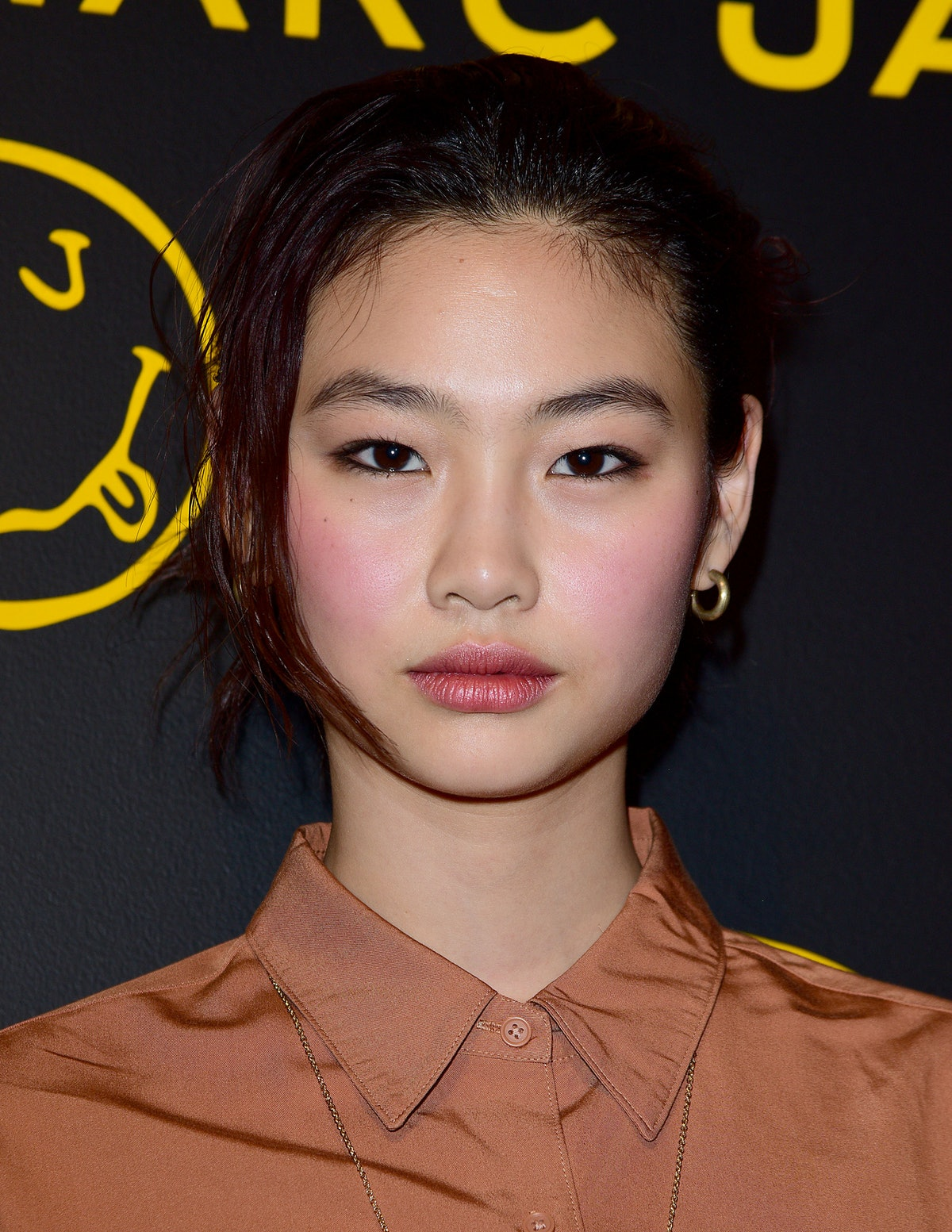 One of 'Squid Game' actor Jung Ho-yeon's best beauty looks: inky black eyeliner and rosy blush.