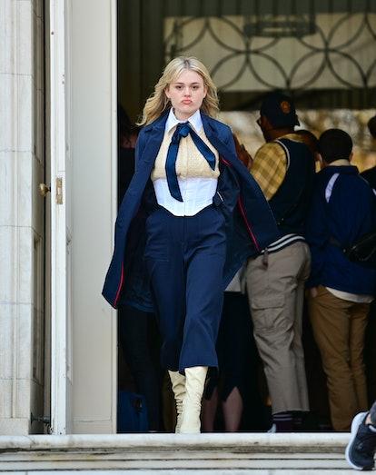 "Emily Alyn Lind seen on the set of ""Gossip Girl"" on the Upper East Side. Audrey Hope Halloween Costu..."