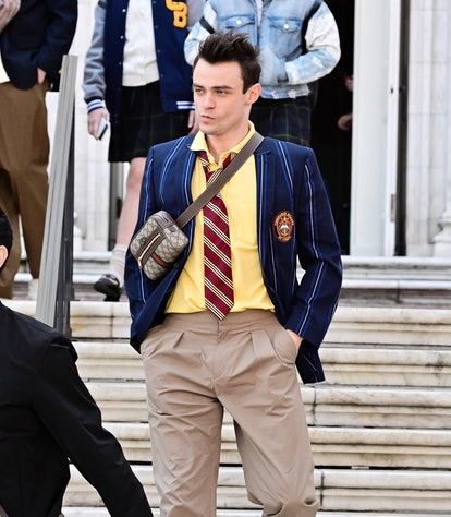 """Thomas Doherty seen on the set of """"Gossip Girl"""" on the Upper East Side. Max Wolfe Halloween Costume."""