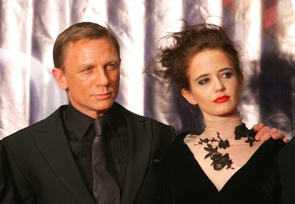 British actor Daniel Craig (L) and French actress Eva Green attend a press conference prior to the p...