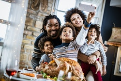 These ideas for Thanksgiving family pictures can make your photos the best yet.