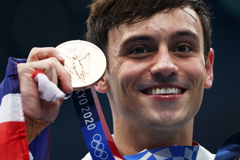 TOKYO, JAPAN - AUGUST 07: Bronze medalist Thomas Daley of Team Great Britain poses after the medal c...