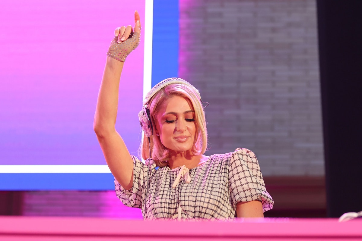 BEVERLY HILLS, CALIFORNIA - SEPTEMBER 24: Paris Hilton attends The Wallis Delivers: Al Fresco Night ...