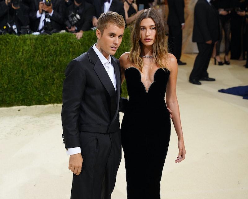 NEW YORK, NEW YORK - SEPTEMBER 13: Justin Bieber and Hailey Bieber attend 2021 Costume Institute Ben...