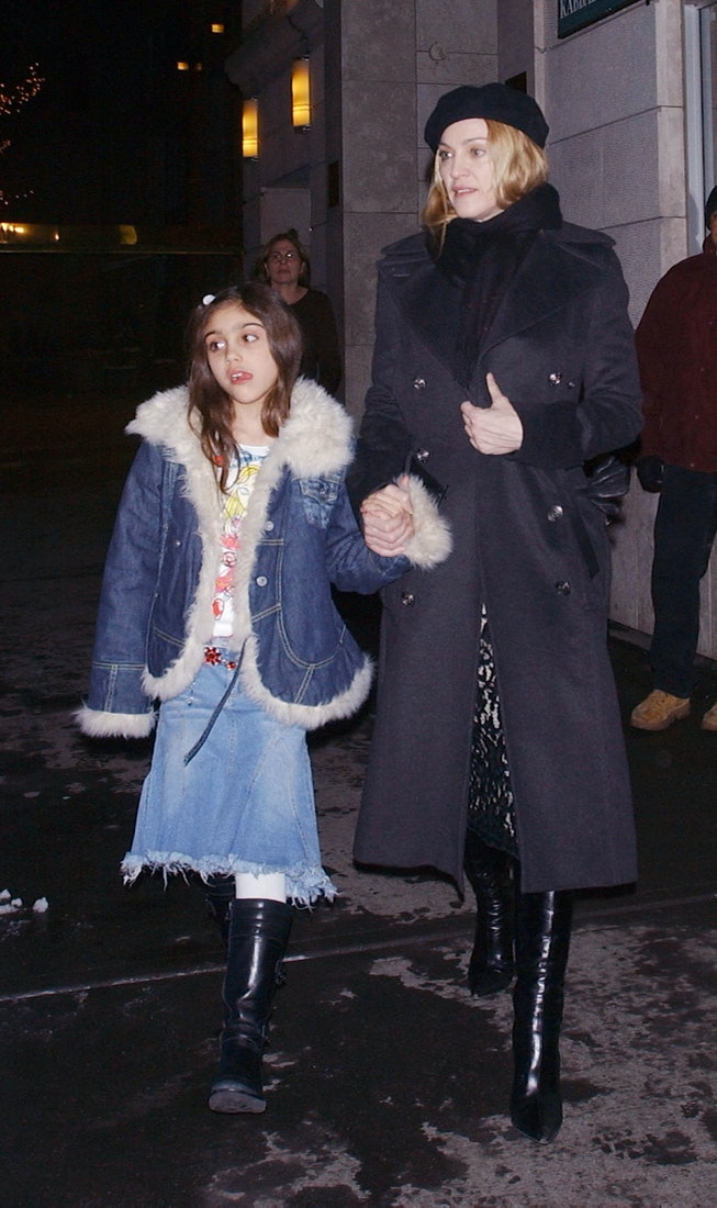 NEW YORK - FEBRUARY 25:  (ITALY OUT,NY DAILY NEWS OUT,NY NEWSDAY OUT) Madonna and daughter Lourdes l...