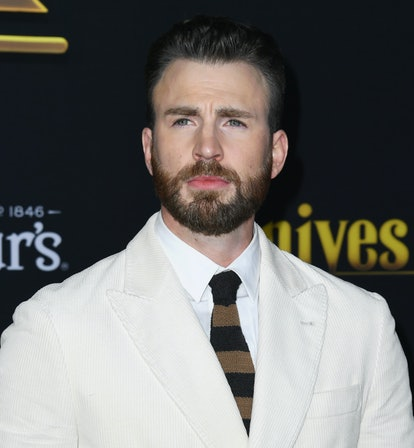 This Selena Gomez and Chris Evans' dating rumor is taking on a life of its own.