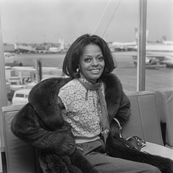 American singer and actress Diana Ross at London Airport, UK, 31st March 1973. (Photo by R. Brigden/...
