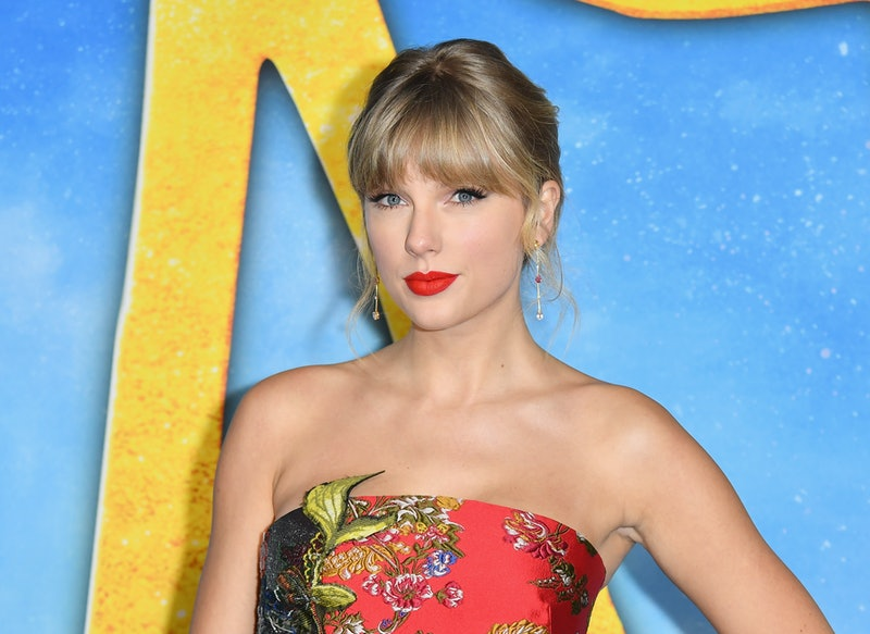 Taylor Swift announced the release of a re-recorded version of her 2008 album, 'Fearless'