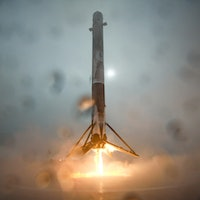 SpaceX Starlink: Photo shows how Falcon 9 missed birds with failed landing