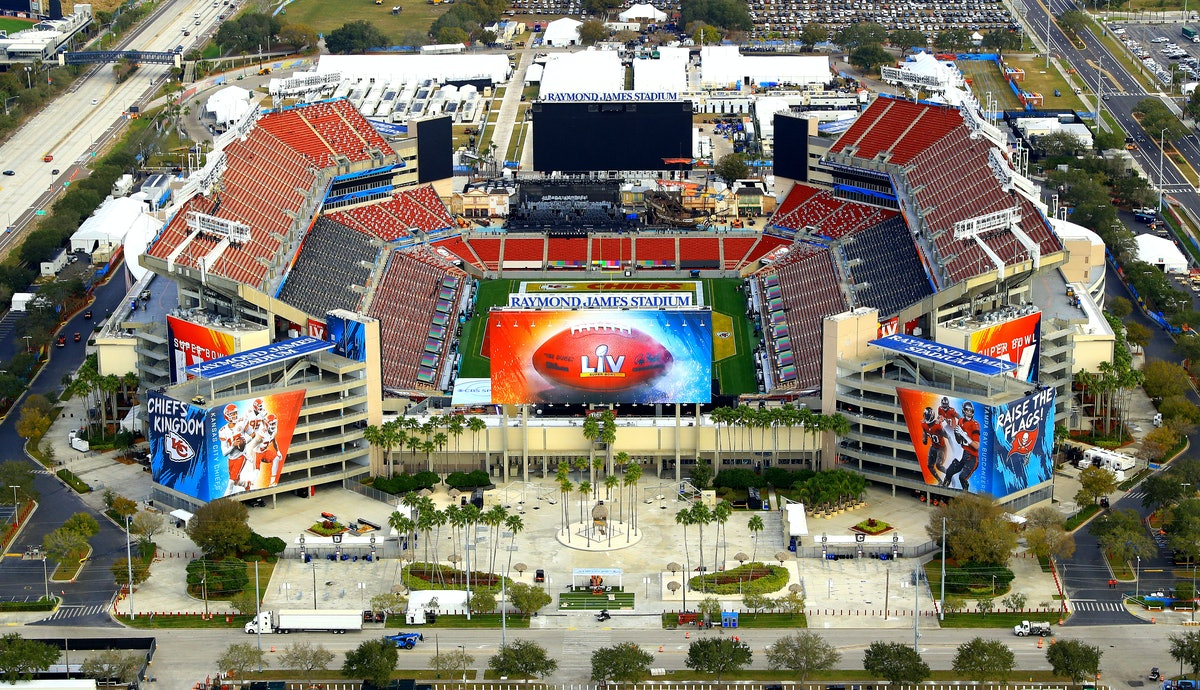 Will there be fans at the 2021 Super Bowl? It'll be a scaled down event.