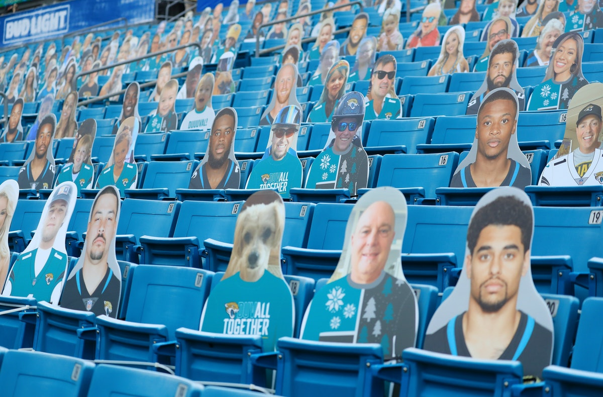 The NFL plans to have 30,000 cardboard cutouts at the Super Bowl.