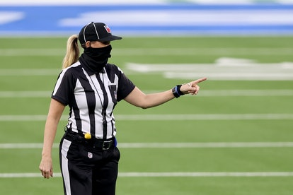 Sarah Thomas is a mom and NFL referee