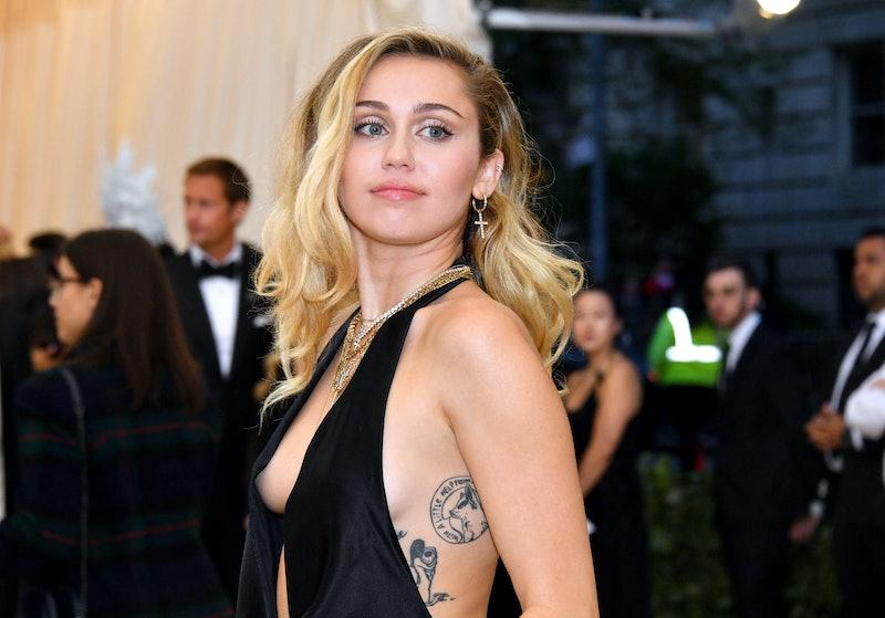 Miley Cyrus' Super Bowl 2021 Look Was Essentially A Cheerleader Uniform