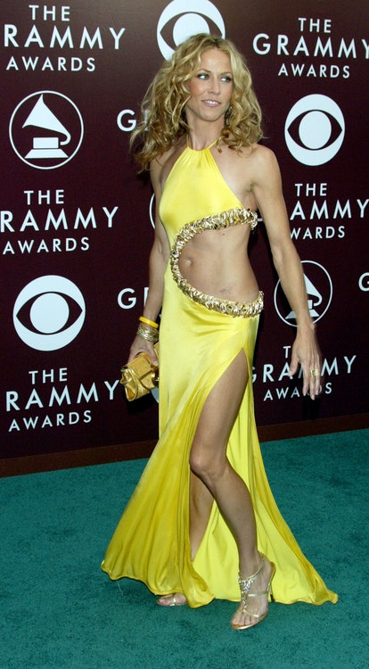 LOS ANGELES - FEBRUARY 13:  Musician Sheryl Crow arrives to the 47th Annual Grammy Awards at the Sta...