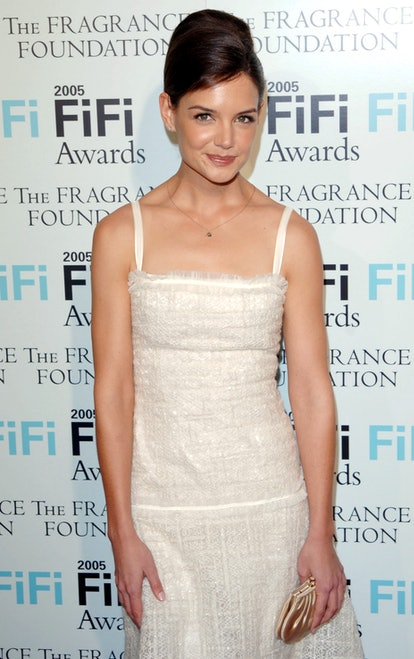 Katie Holmes arrives at the 2005 FiFi Awards held at the Hammerstein Ballroom, New York City Photo by BRIAN ZAK. (Photo by Brian ZAK/Gamma-Rapho via Getty Images)