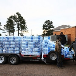 Here's how you can help those affected by the water crisis in Jackson, Mississippi.