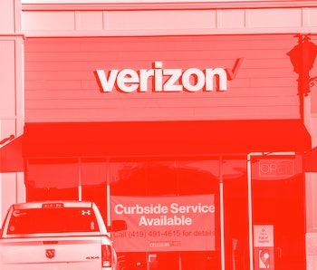 PERRYSBURG, OHIO, UNITED STATES - 2020/11/12: Verizon logo seen at one of their stores. (Photo by Stephen Zenner/SOPA Images/LightRocket via Getty Images)