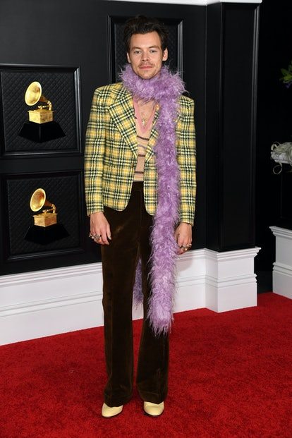 Harry Styles wearing a Gucci look to the 2021 Grammys