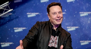 BERLIN, GERMANY DECEMBER 01:  SpaceX owner and Tesla CEO Elon Musk arrives on the red carpet for the Axel Springer Award 2020 on December 01, 2020 in Berlin, Germany.  (Photo by Britta Pedersen-Pool/Getty Images)