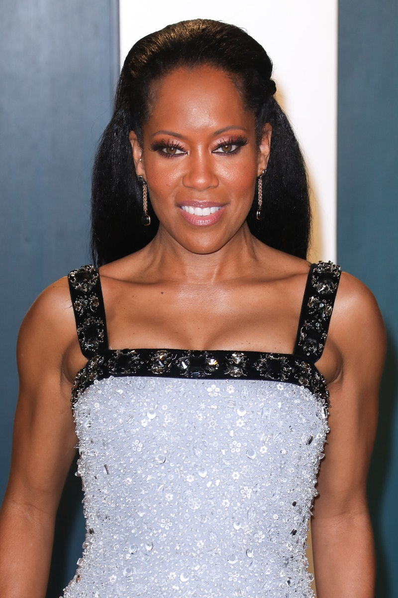 BEVERLY HILLS, CALIFORNIA - FEBRUARY 09: Regina King attends the 2020 Vanity Fair Oscar Party at Wallis Annenberg Center for the Performing Arts on February 09, 2020 in Beverly Hills, California. (Photo by Toni Anne Barson/WireImage)